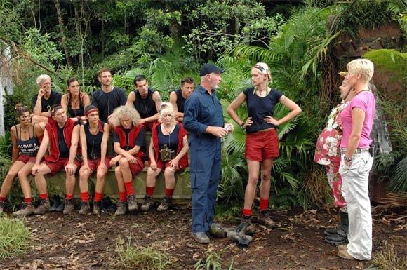 Dschungelcamp: Sarah vor dem Dschungel-Team und ihrer nächsten Dschungelprüfung