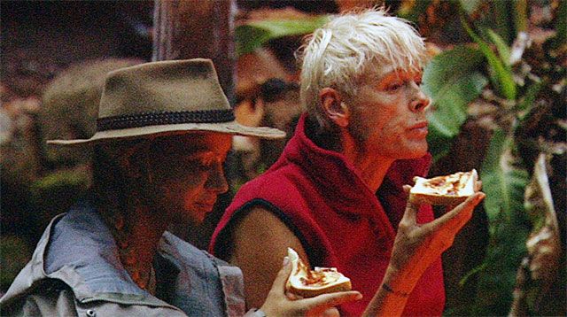 Radost und Brigitte sind nicht nur ein Team beim Frühstück aus der Schatztruhe