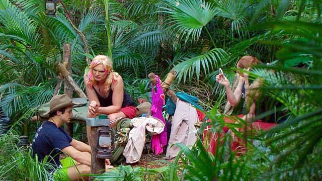 Porno-Pat outet sich im Dschungelcamp