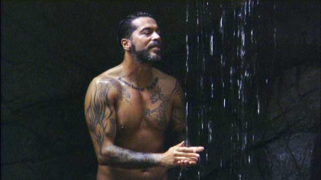Aurelio duscht