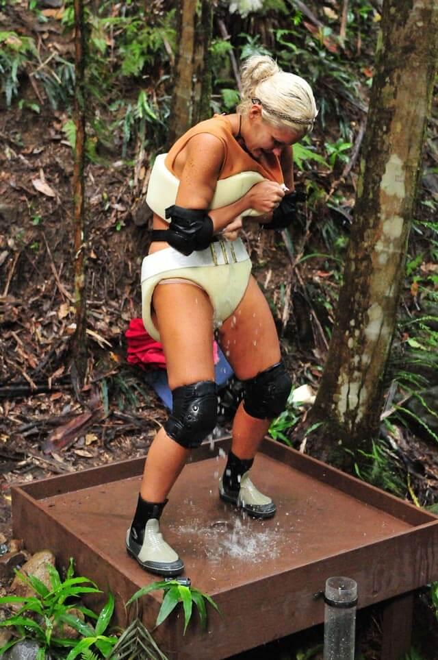 Sophia bei der Schatzsuche im Dschungelcamp