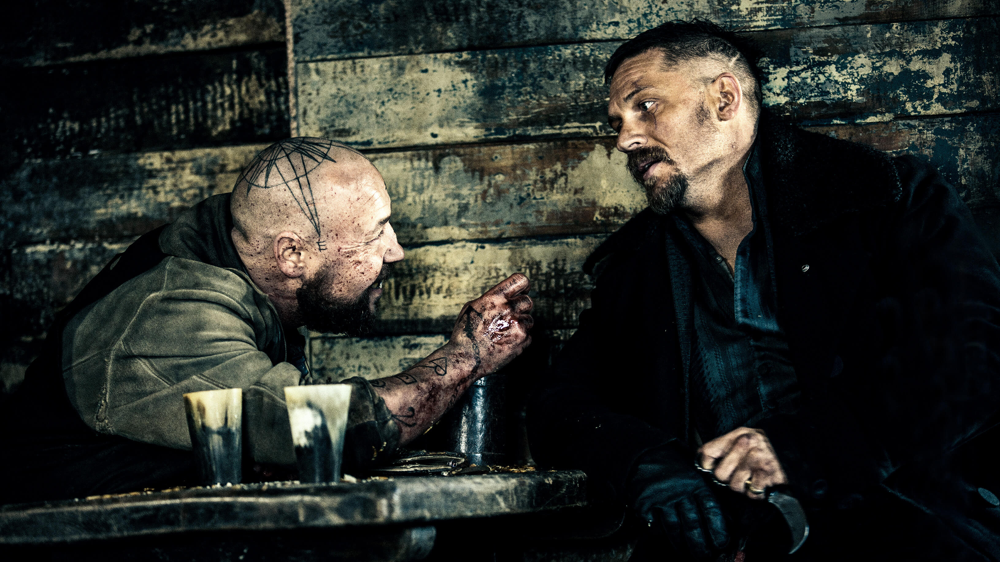 Stephen Graham und Tom Hardy in Taboo