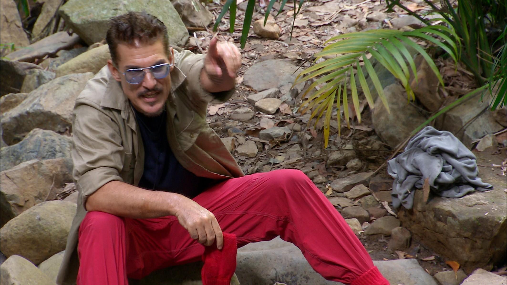 Chris Currywurst meckert über Yotta