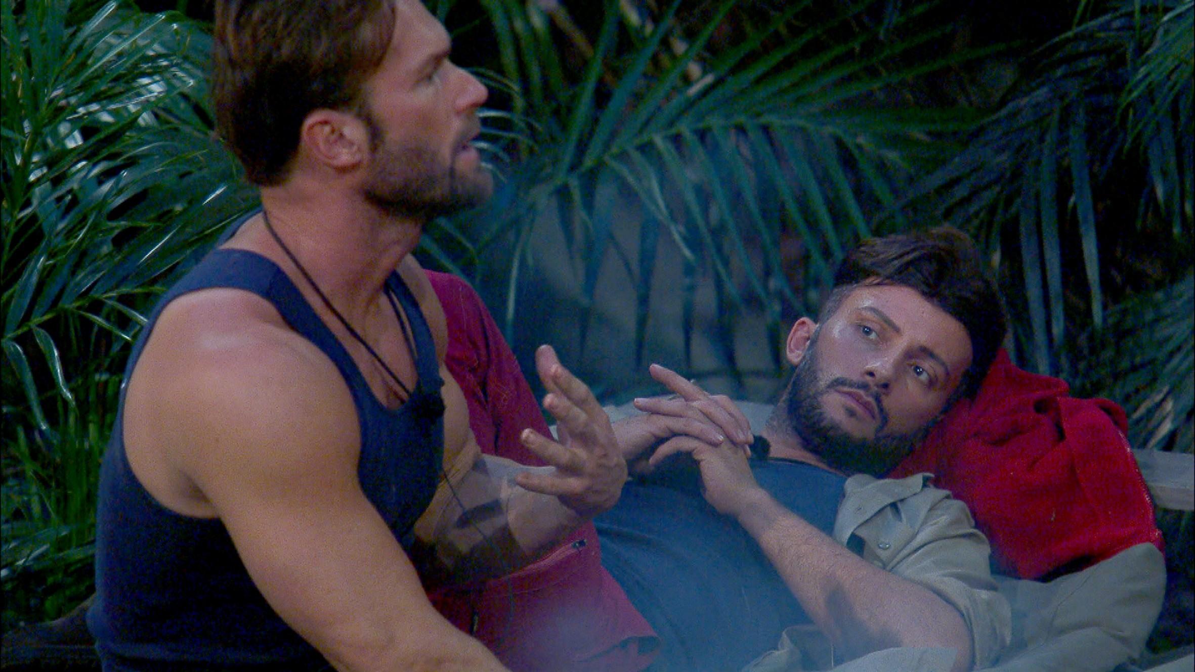 Yotta lästert über Chris